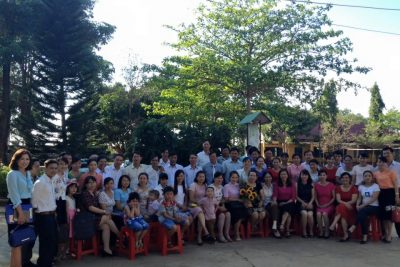 Trương THCS Nguyễn Huệ gặp mặt Dâu-Rể nhân ngày 8/3